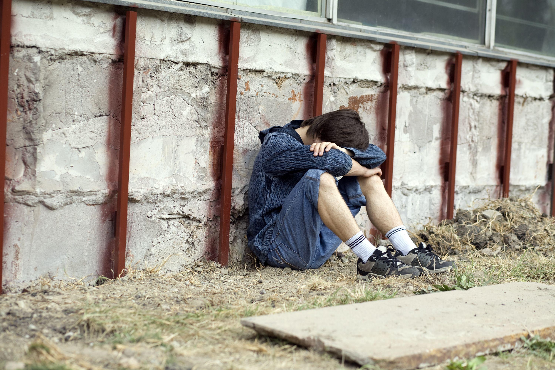 """Resultado de imagem para Pais sofrendo com os filhos nas drogas"""""""