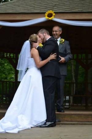Justice e Jeremy, em sua segunda cerimônia de casamento.