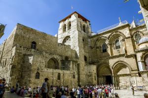Fachada da Igreja do Santo Sepulcro, em Jerusalém. (foto: Bigstock)