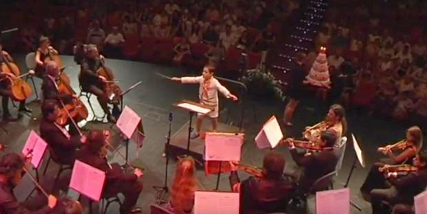 O maestro mais jovem do mundo: com 9 anos ele conduz orquestra internacional