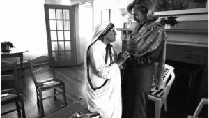 Madre Teresa e Hillary Clinton, em 1994. (foto: Reuters)