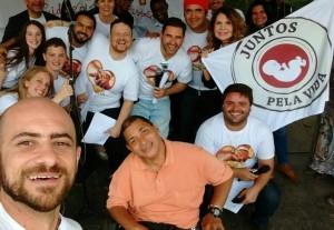 Membros e agentes do Juntos Pela Vida em evento ocorrido em Petrópolis, no Rio de Janeiro, em 15 de novembro.