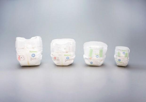 tiny-diapers-preemie-babies-huggies-2-687x479