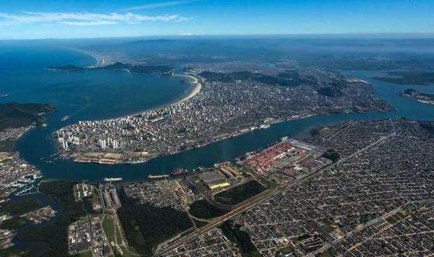Vista aérea da cidade de Santos (foto: divulgação/Governo Federal).