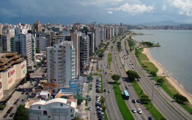 Avenida Beira-Mar, em Florianópolis (foto: Wikimedia Commons).