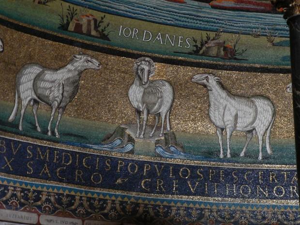 Cristo como cordeiro em mosaico do século VI na Igreja de São Cosme e São Damião, em Roma. Foto: University of St. Thomas.