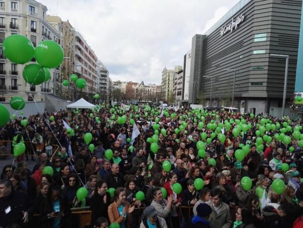 Em Madri, 10 mil pessoas participaram de ato pela vida. Foto: Sí a la Vida