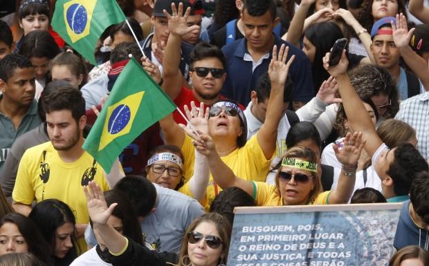 Marcha para Jesus 2015, em Curitiba (foto: Aniele Nascimento/Gazeta do Povo)