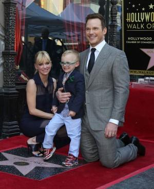 Chris Pratt, Anna Feris e o filho do casal, Jack, no lançamento de Guardiões da Galáxia Vol. 2 (foto: Bigstock).