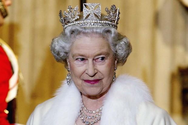 rainha-elizabeth-ii-tornou-se-a-monarca-de-reinad-2-13541-1441919033-0_dblbig