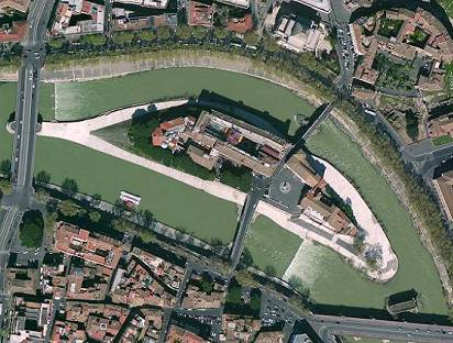 A basílica fica em uma ilha do Rio TIbre, em Roma.
