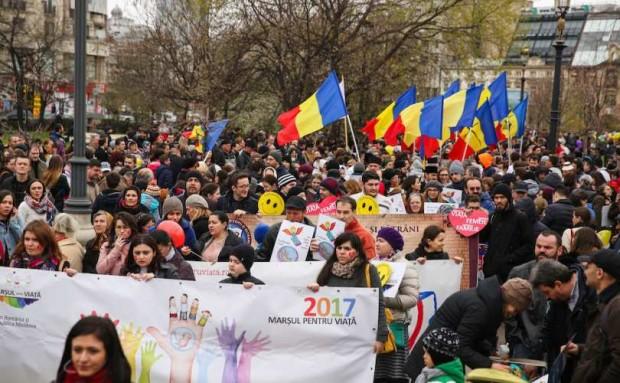 Marcha pela Vida e pela Família organizada em Bucareste, capital da Romênia, em março desse ano.