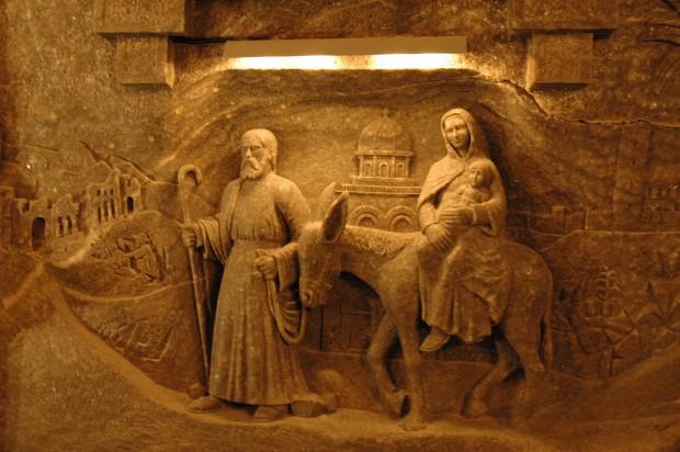 Escultura da Sagrada Família na mina de sal de Wieliczka, Cracóvia, Polônia (divulgação).