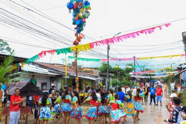 A Humisha em uma festa de São João em Iquito.