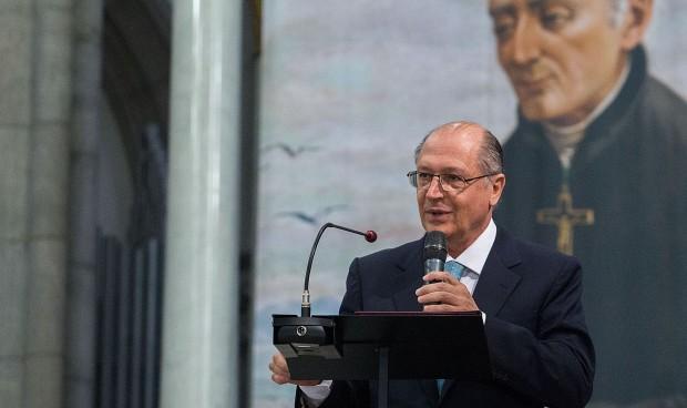 O governador Geraldo Alckmin Participa da Missa por ocasião da canonização do Padre Anchieta na Catedral da Sé em São Paulo. (foto: Governo do Estado de São Paulo).