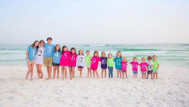 """Foto para emocionar qualquer avó: 17 netos arrumados por """"ordem de chegada"""""""