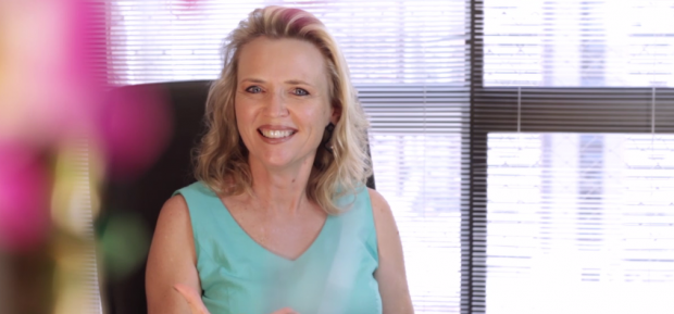 Adriana Potexki, blogueira do Sempre Família, lança livro sobre a cura de traumas
