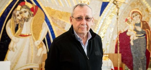 Rupnik, teólogo e artista sacro, é o autor do símbolo do Jubileu da Misericórdia. Foto: Vid Ponikvar/Siol