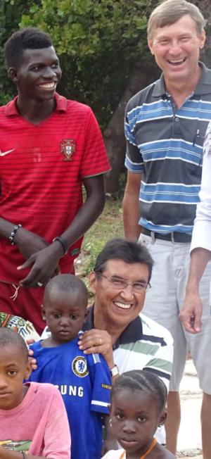 Pedro (de pé) e Odaril (agachado).