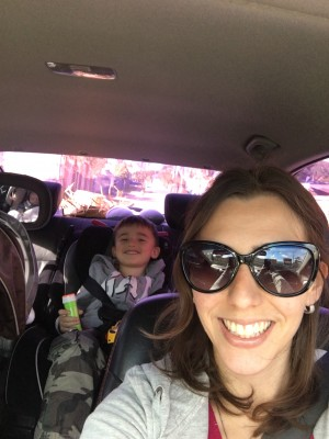 Foto de família dentro do carro