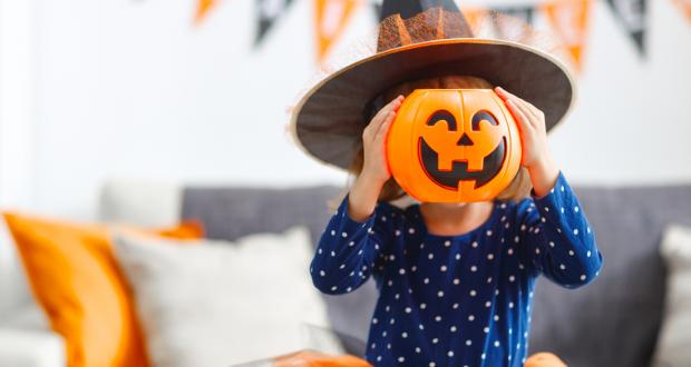 ENQUETE: Deixar os filhos irem em festas do Dia das Bruxas (Halloween) é um erro?