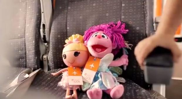 """Companhia aérea distribuirá brinquedos """"esquecidos"""" em voos a crianças carentes"""