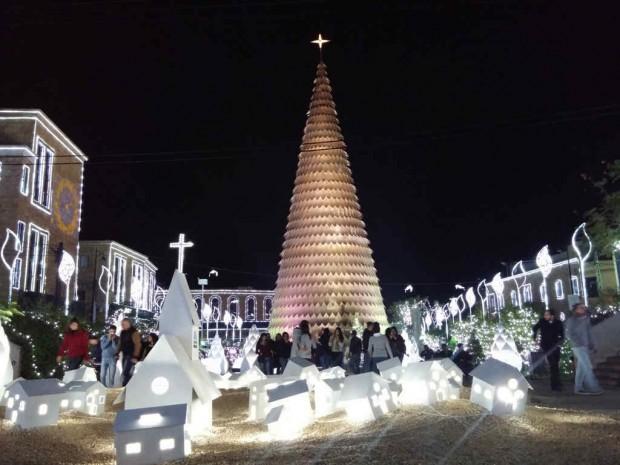 Árvore de Natal em Byblos, Líbano