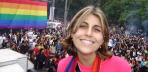 Manuela, numa das manifestações LGBT ocorridas neste ano (foto: reprodução/Facebook).