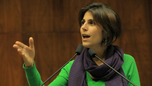 Manuela na Assembleia Legislativa do Rio Grande do Sul (foto: Assembleia Legislativa do Rio Grande do Sul).