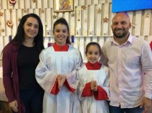 Galeto, a esposa e as filhas, no Santuário de Nossa Sra. do Perpétuo Socorro, em Curitiba. Foto: Arquivo pessoal.
