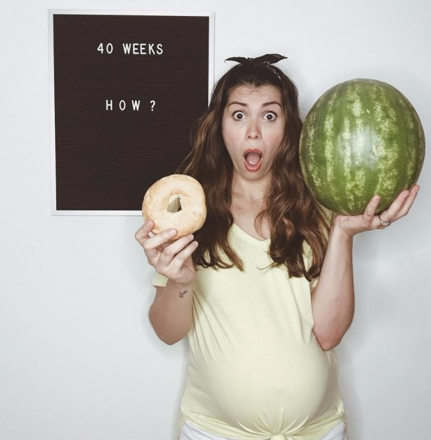 Mom-Letter-Board-Pregnancy-Progress-Photos