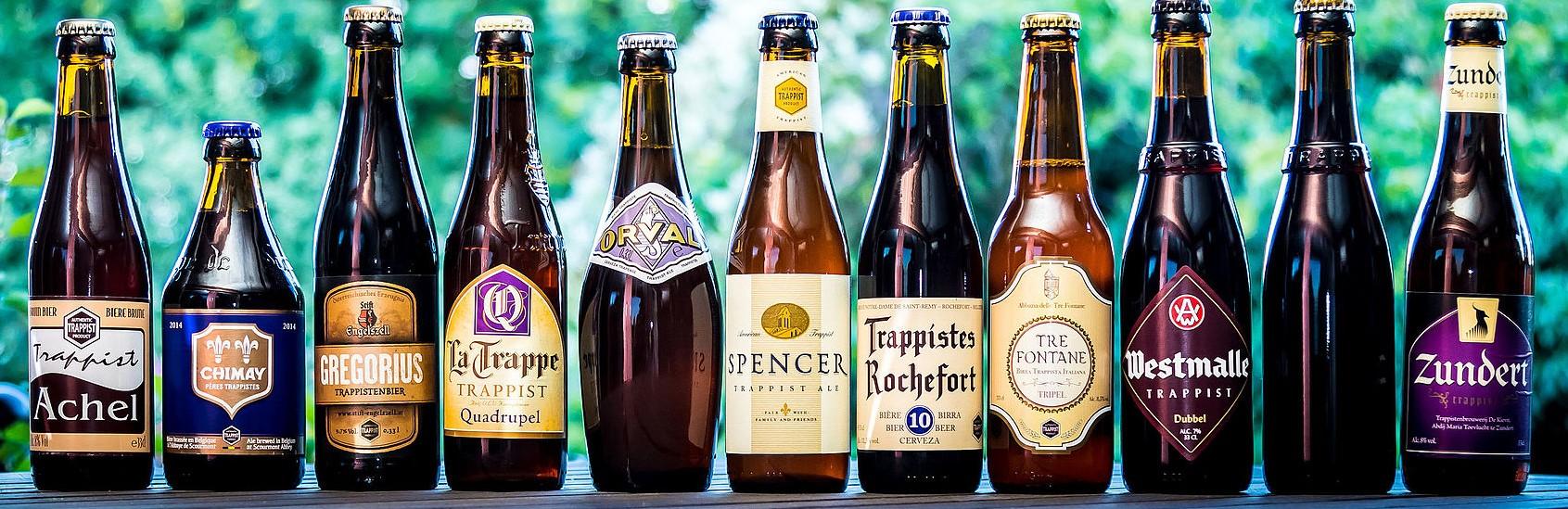 As 11 cervejas trapistas produzidas dentro de mosteiros da ordem espalhados pela Bélgica, Holanda, Áustria, Itália e Estados Unidos. Commons