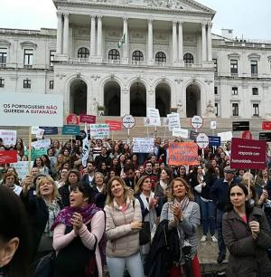 Uma das manifestações em Lisboa contra a legalização da eutanásia (foto: Stop Eutanasia/diulgação)
