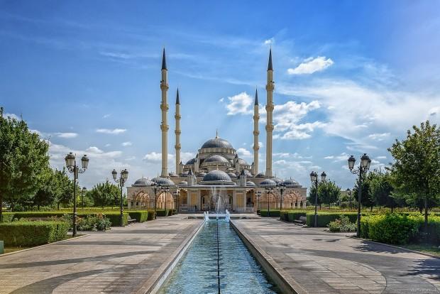 A mesquita de Akhmad Kadyrov, em Grodzny. Foto: Wikimedia Commons.