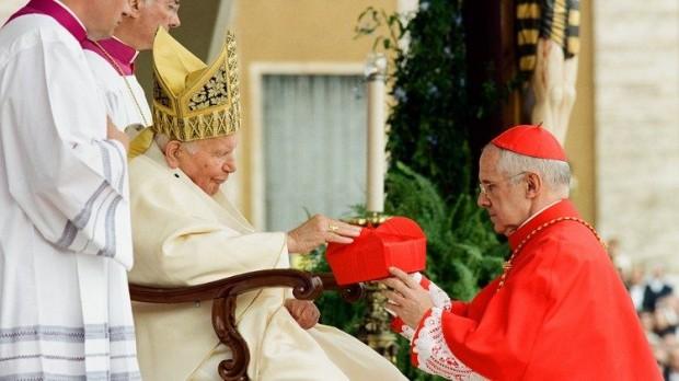 Tauran foi criado cardeal em 2003, depois de treze anos à frente das relações exteriores da Santa Sé.