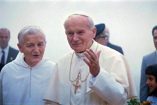 São João Paulo II em visita a Taizé, em 1986.