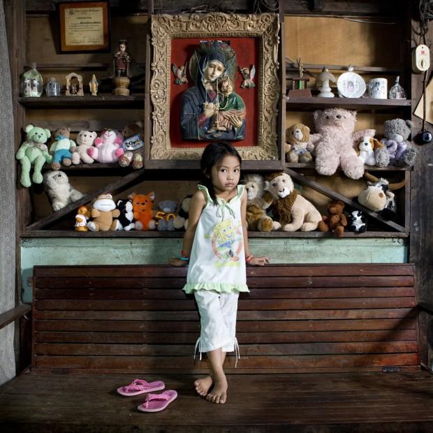 Allenah Lajallab, de 4 anos, mora em El Nido, nas Filipinas.