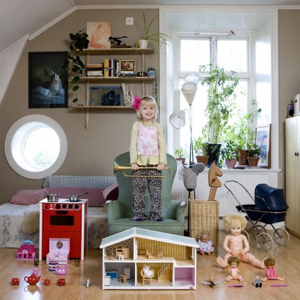 Tyra, de 5 anos, vive em Estocolmo, na Suécia.