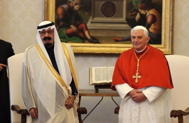 Bento XVI com o rei saudita Abdullah, em 2007. L'Osservatore Romano