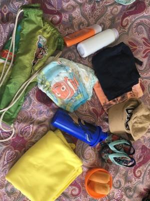 um pouquinho da minha bolsa de praia