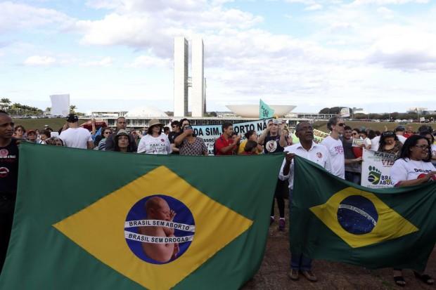 11ª Marcha Nacional pela Vida, realizada em 2018, em Brasília (foto: Agência Brasil).