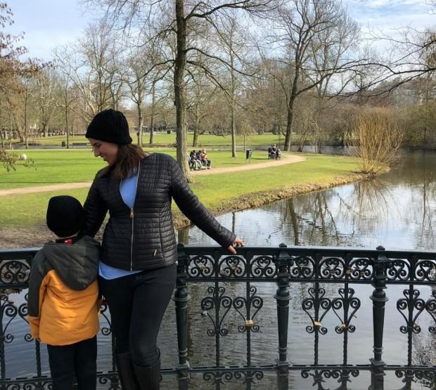 Em Amsterdam com Meu Filho mais Velho. Imagem: Crédito Pessoal