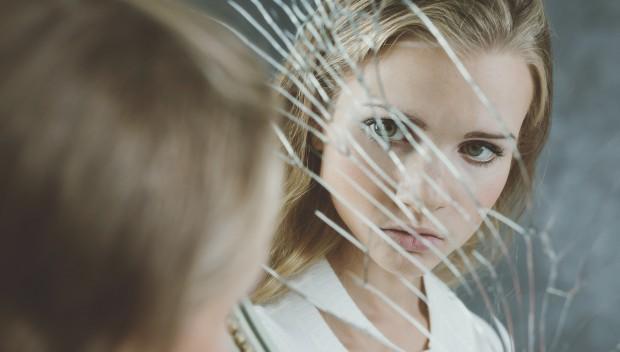 Você pode estar contribuindo para a autoimagem negativa do seu filho adolescente