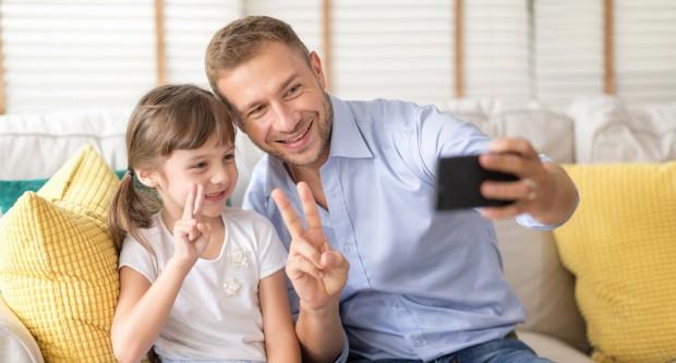 Qual o preço pago por filhos e pais diante da exposição de crianças na internet