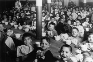 Um estudo realizado com órfãos da Romênia provou que a falta de afeto na primeira infância prejudica o desenvolvimento neurológico. Foto: Arquivo/Instituto Geração Amanhã