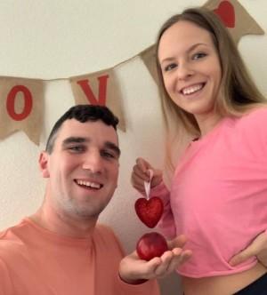 Alexis e Michael decidiram continuar a gravidez como qualquer outra. Facebook/Alexis Marrino