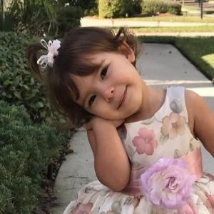 A pequena Susan Delgado. | Arquivo Pessoa/Alex Delgado